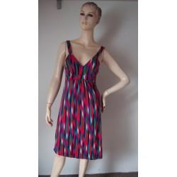 Warehouse luxusní šaty V.36...