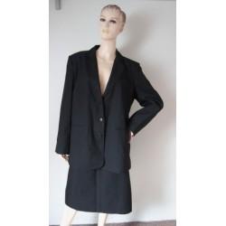 Černý kostým - sako, sukně...
