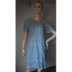 Next modré šaty s krajkou V.40