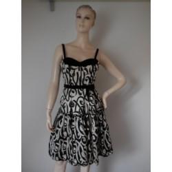 Nanette lepore luxusní šaty...