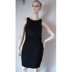 H&M černé šaty s lesklým...