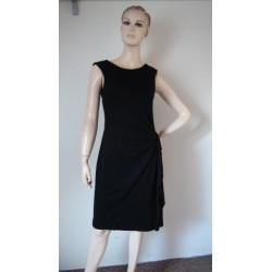 Černé pružné šaty s řasením...