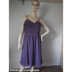 Společenské fialkové šaty...